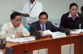 Gov. Arthur Defensor (center) when he was still House Majority Floor Leader.